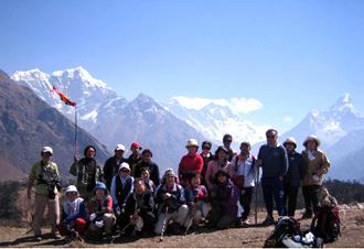 天野春男会長と仲間達 2006.4 ネパール エベレスト街道